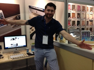 Slate, makers of the Mobile AirDesk, at MacWorld